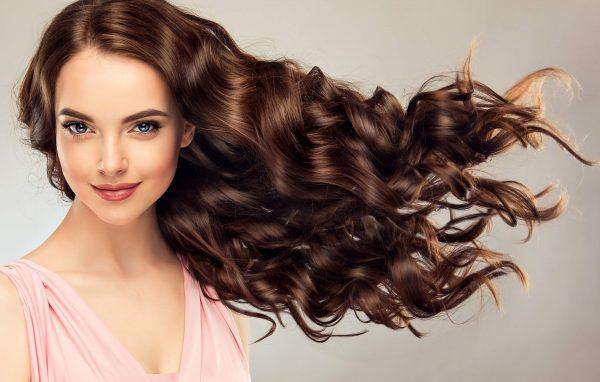 5 peinados fáciles y bonitos para lucir en la oficina