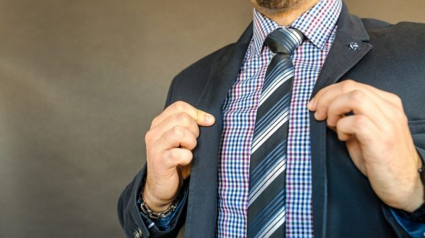 ¡NO uses corbata! Médicos y especialistas lo recomiendan