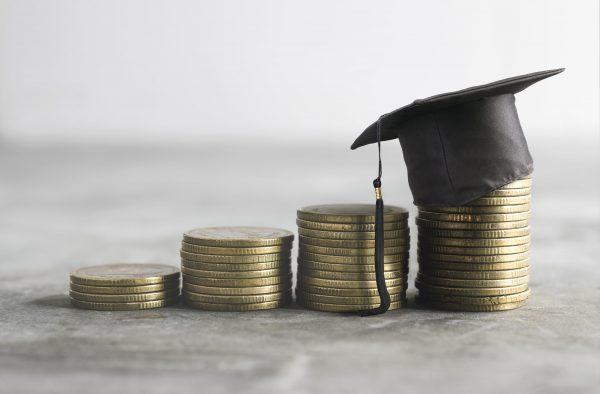 ¿Las empresas ofrecen el sueldo que los universitarios buscan?