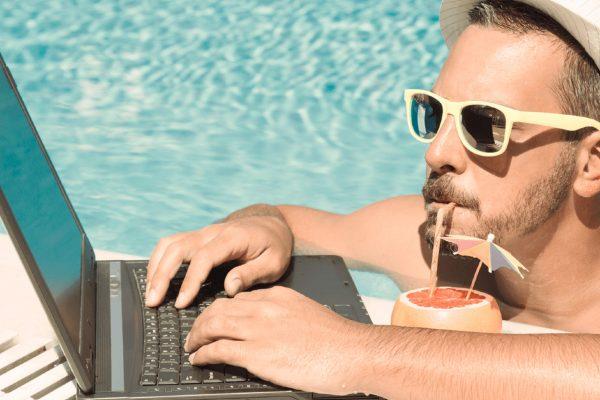 ¿Cómo redactar un CV si eres freelancer o académico? ¡Te damos tips!