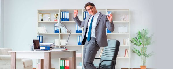 8 salarios emocionales que motivan más que el económico