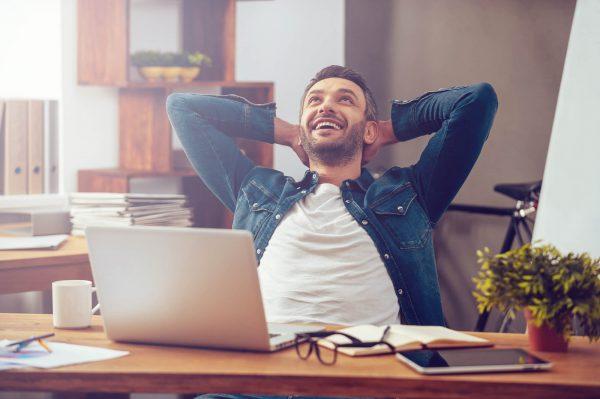 Conoce las ventajas de ser feliz en tu trabajo