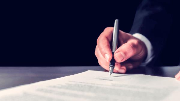 ¿Cómo se hace una demanda por despido injustificado?