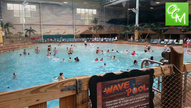 kalahari waterpark wave pool