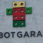 RobotGarageFeature1