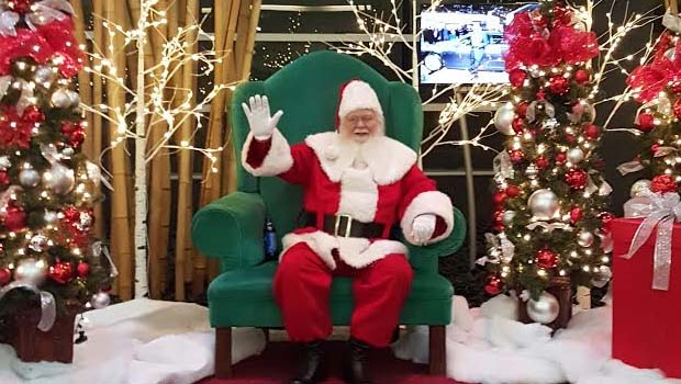 Madison Public Library As Santa Claus >> Santa Claus Visits Metro Detroit 2018 Oakland County Moms