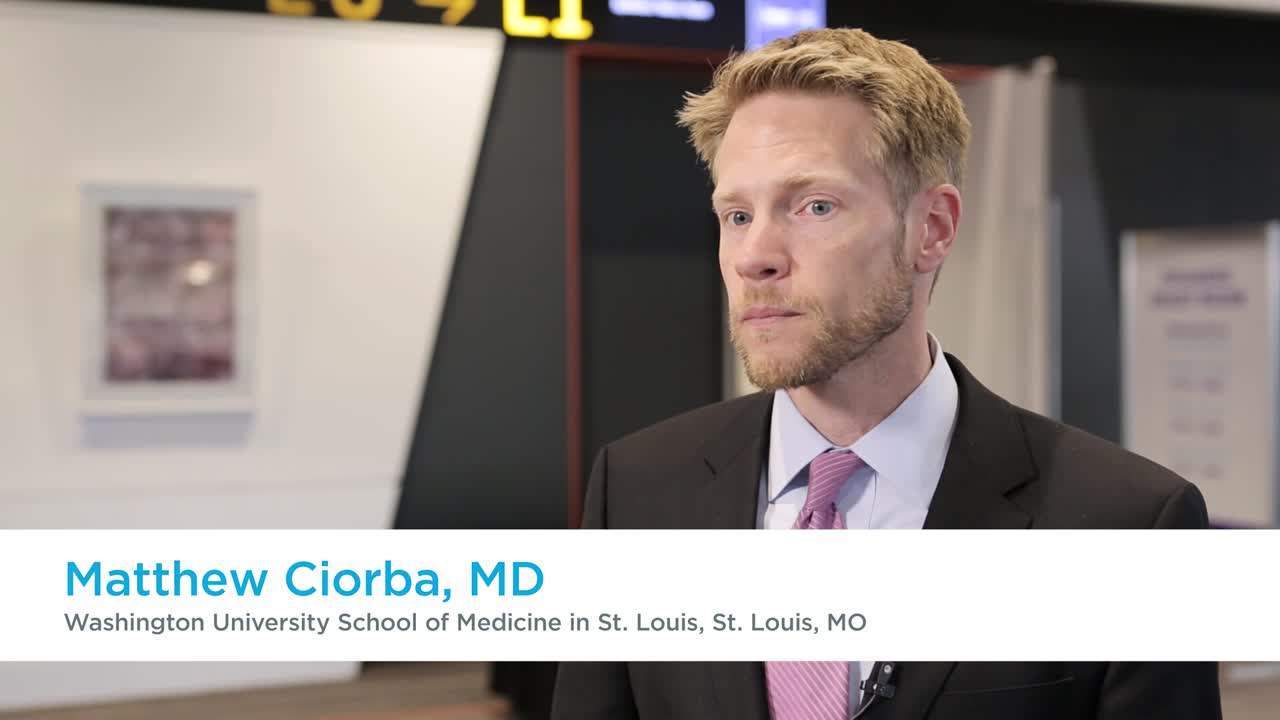 Treating mucositis with probiotics