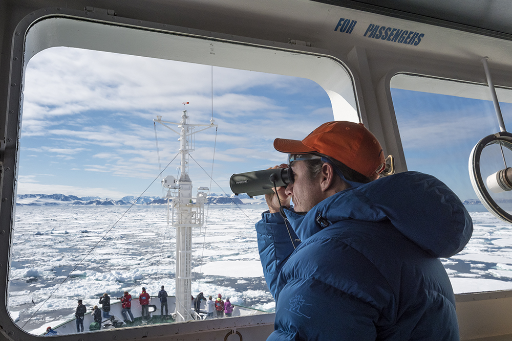 A One Ocean Expeditions cruise in Spitsbergen offers zodiac excursions on photography symposiums. Photo: Ben Haggar