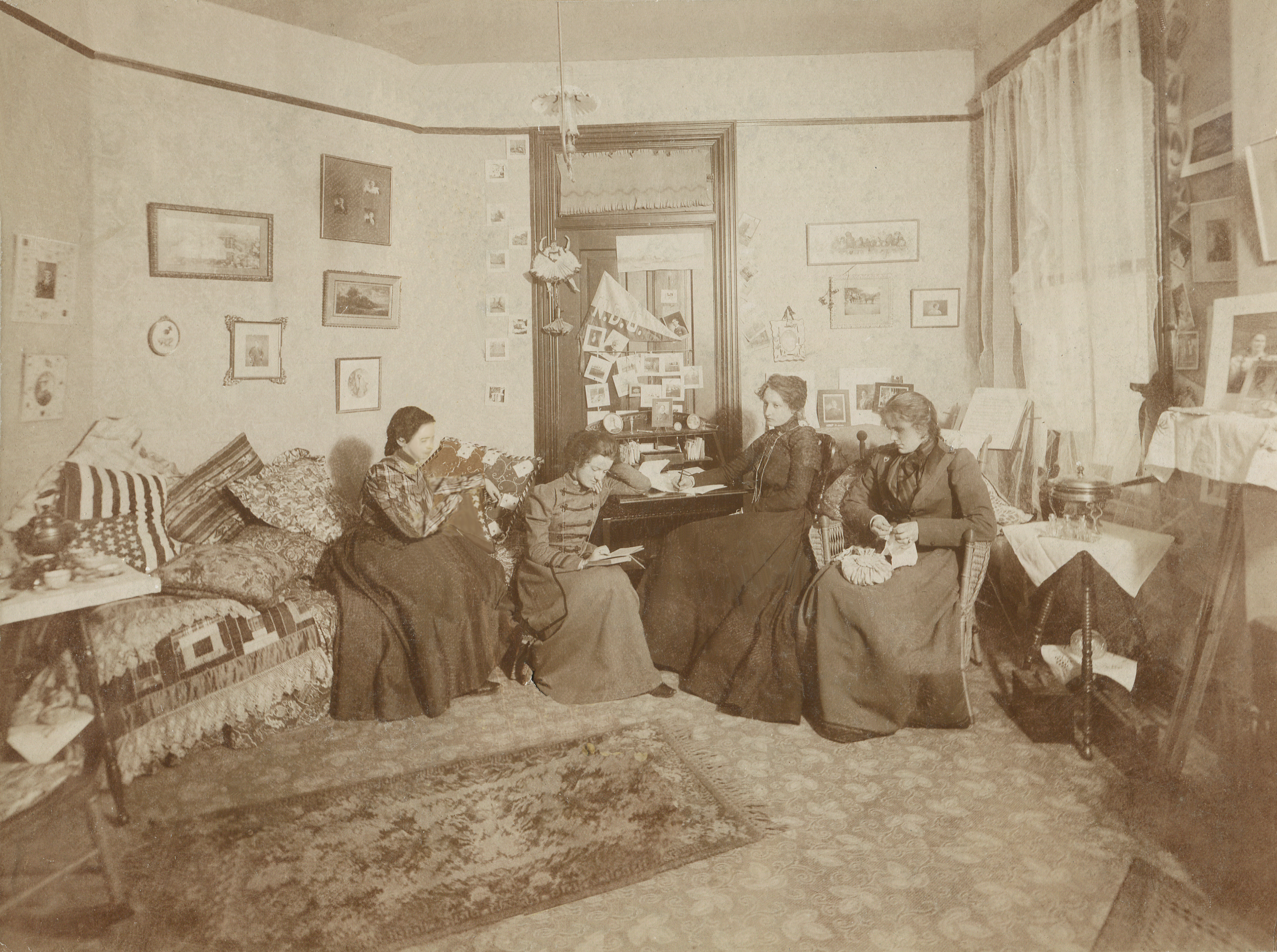 What Dorm Rooms Looked Like 100 Years Ago Old Photo
