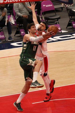 Brook Lopez -