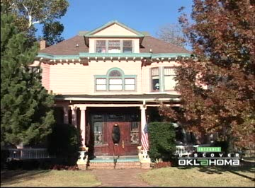 This 1904 Victorian Mansion in Oklahoma City is now a B&B inn.