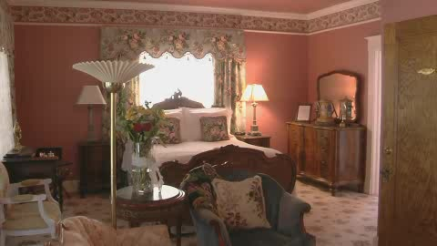 This Historic Hayes House offers pampering and relaxation for couples.