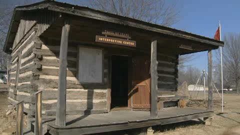 Sallisaw's 14 Flags Museum reveals Oklahoma pioneer life.