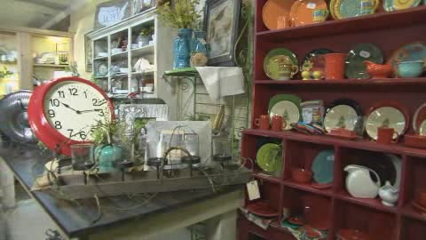 Antique & home decor store in downtown Duncan
