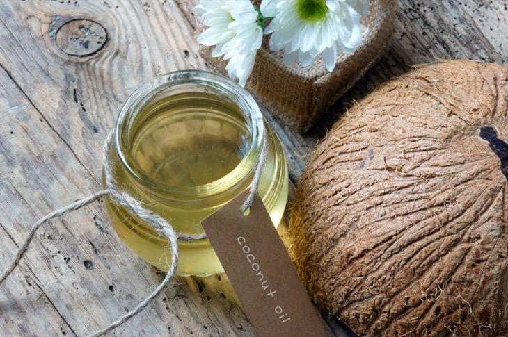 Beauty Hack: Natural Coconut Oil - Uses and Health Benefits