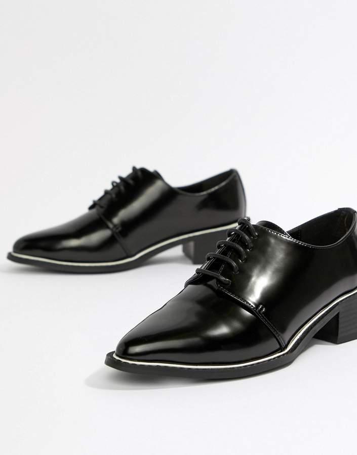 Outfit casual - Asesoría de imagen ejecutiva - ASOS DESIGN Mina pointed lace up flat shoes - Asos - Asos