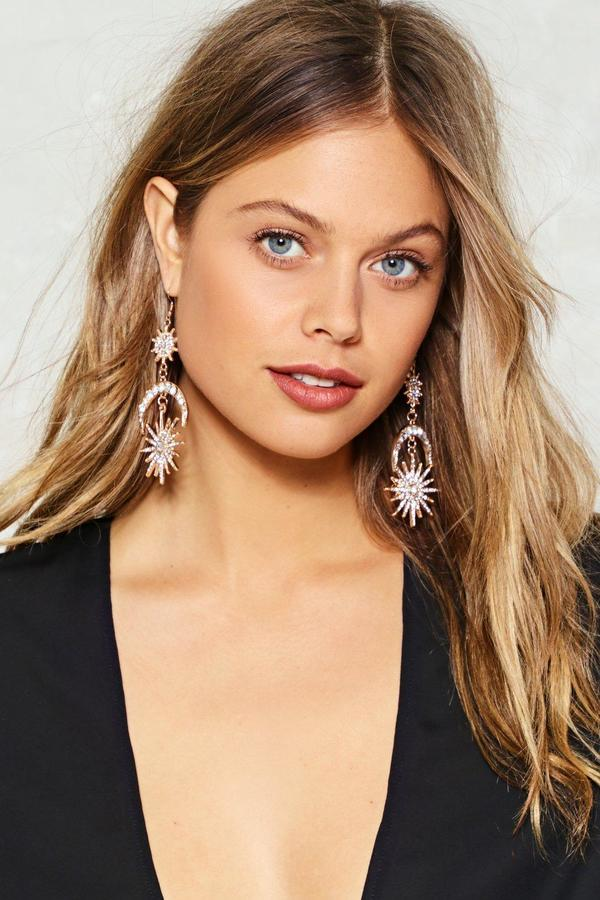 Outfit para discoteca - Asesoría de imagen ejecutiva - Nasty Gal Out of This World Earrings - Nasty Gal - Nasty Gal