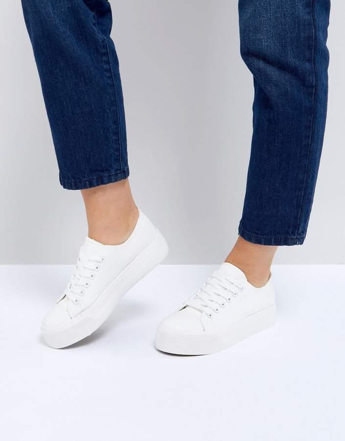 Outfit para gorditas - Asesoría de imagen ejecutiva - New Look Flatform Lace Up Sneaker - New Look - Asos