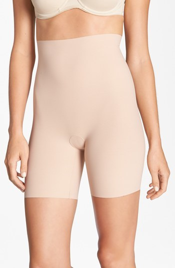 Outfit para gorditas - Asesoría de imagen ejecutiva - Commando 'Control' High Waist Shaping Shorts - Commando - Nordstrom
