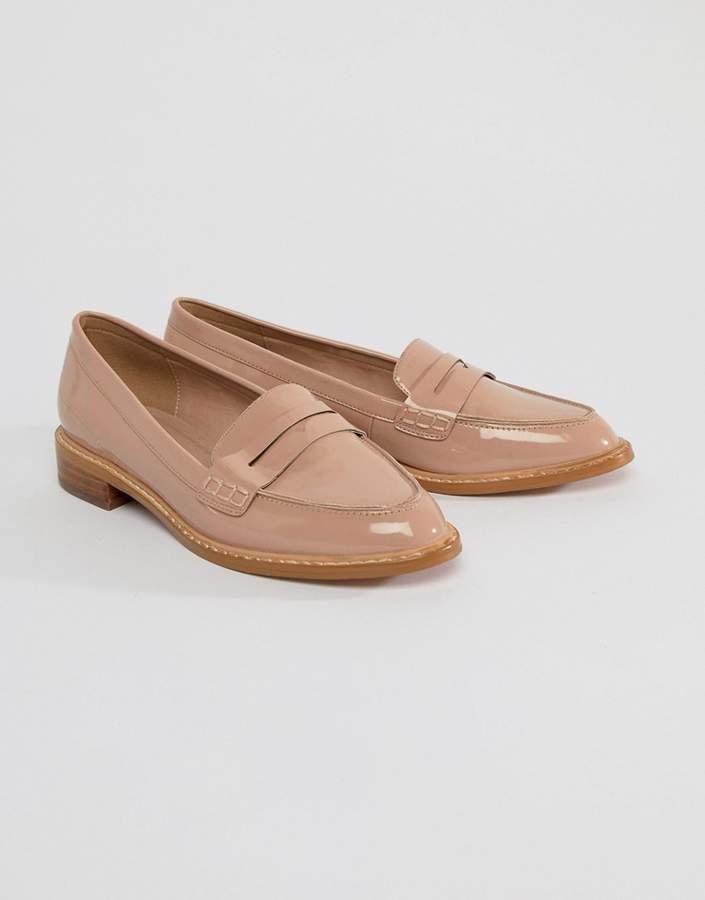 Outfit minimal - Asesoría de imagen ejecutiva - ASOS DESIGN ASOS MUNCH Loafer Flat Shoes - Asos - Asos