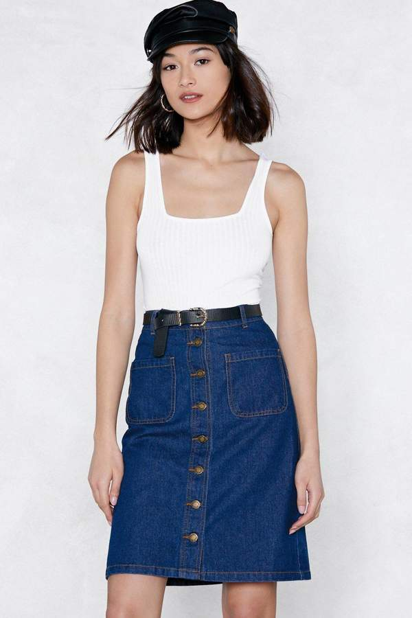Outfit casual - Asesoría de imagen ejecutiva - Nasty Gal You're Button to Something Denim Skirt - Nasty Gal - Nasty Gal