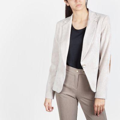 Outfit para oficina - Asesoría de imagen ejecutiva - Blazer Corduroy  - Basement - Saga Falabella