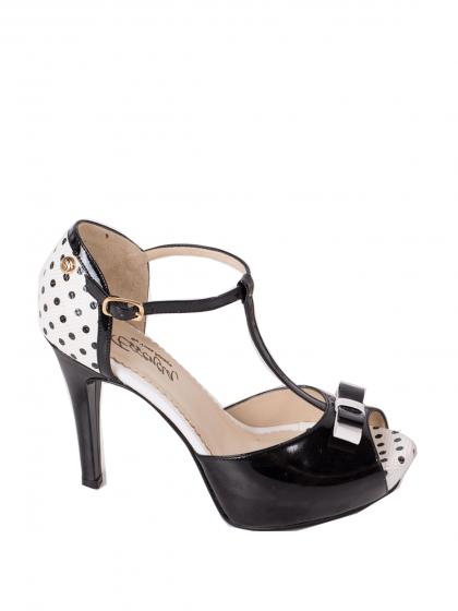 Asesoría de imagen ejecutiva - Zapato Clavel blanco lunares - Essencia - Essencia