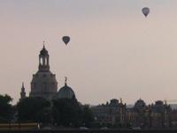 Dresden Frauenkirche balloons.jpg