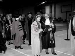 File:BE Grads 2005 031.jpg
