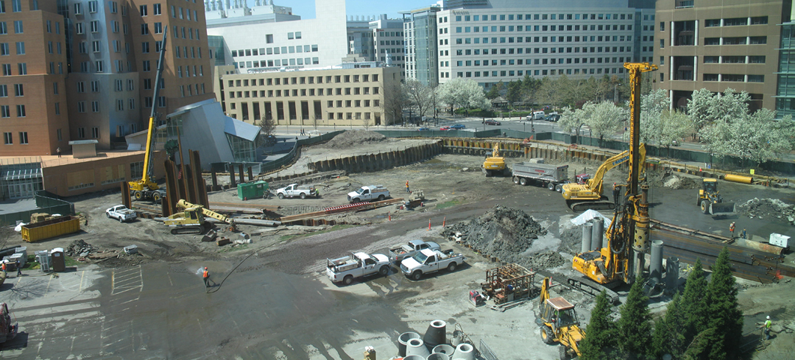 File:Koch-MIT Construction Panorama.png