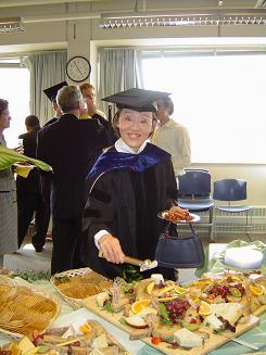 File:BE Grads 2005 057.jpg