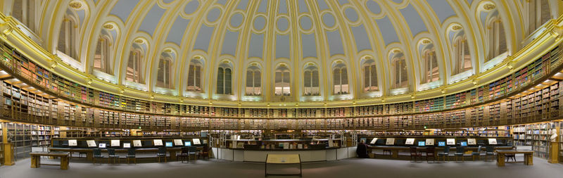 800px-British Museum Reading Room Panorama Feb 2006.jpg