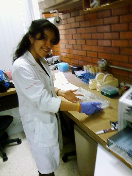 File:Me at lab.jpg