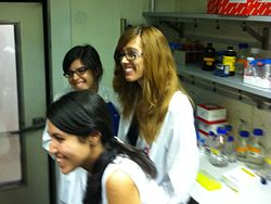 Vicky, Paula & Adri at 4ºC