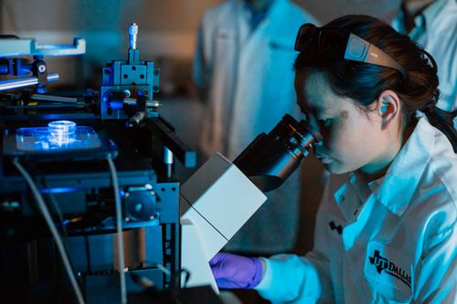 Qin Lab 10-1.jpg