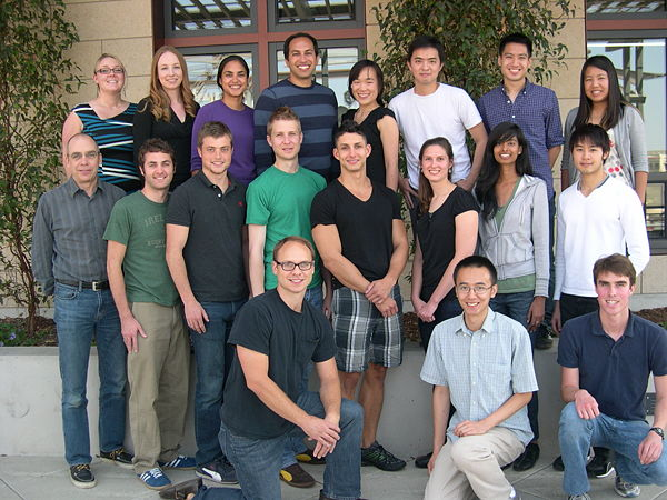 Lab photo 2012.JPG