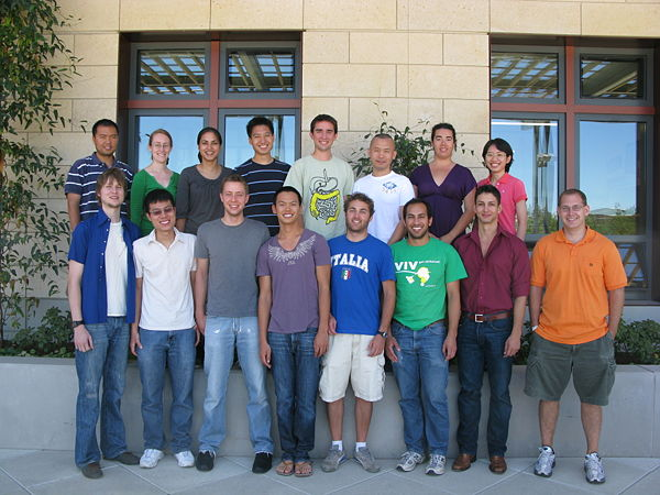 Lab photo 2009.JPG