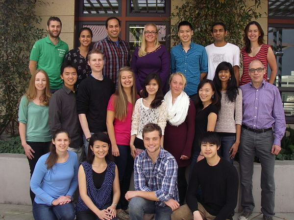 Lab photo 2013.JPG