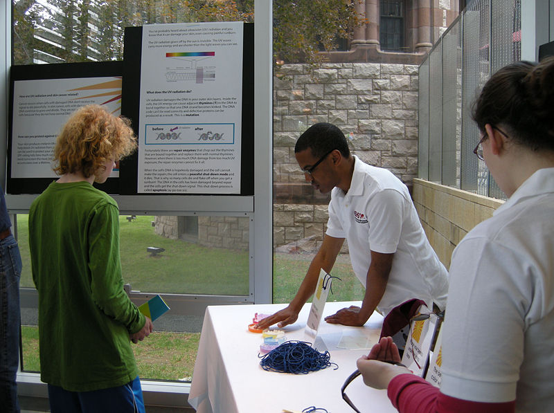 Image:Cambridge Science Festival 2011 2.jpg