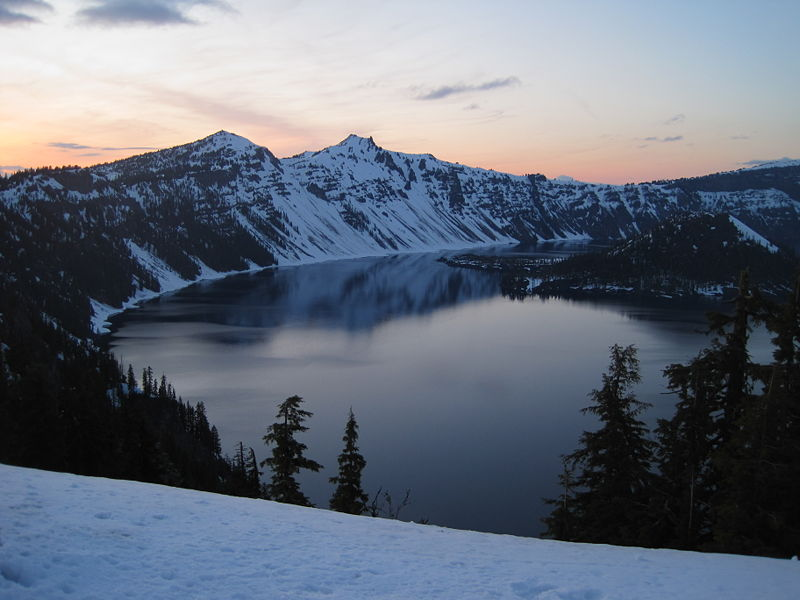 File:Crater Lake Twilight.JPG