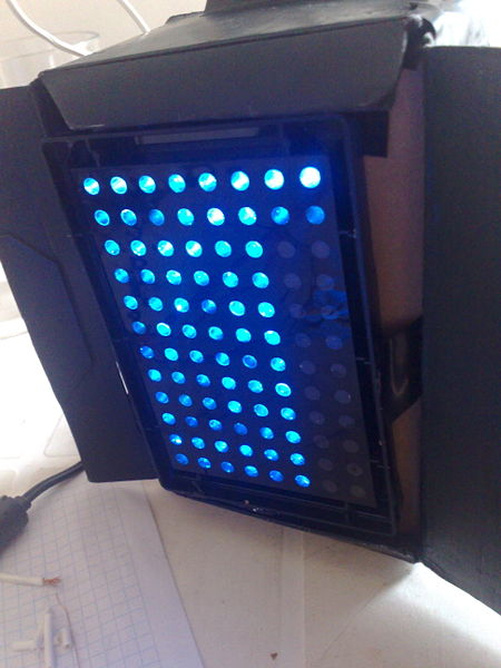 File:Blue LED Array Unam Genomics.jpg