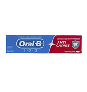 Pasta de Dente Oral-B 123 Anti Caries