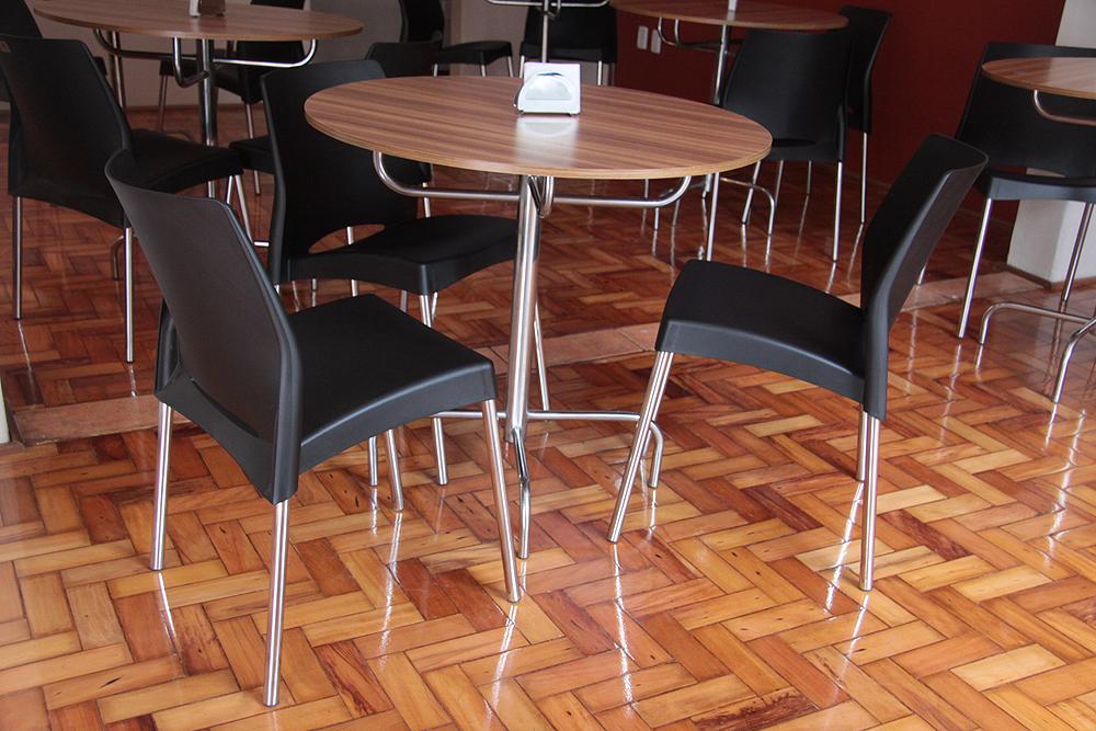 Gabinete para banheiro cadeiras para restaurante usadas for Mesas para restaurante usadas