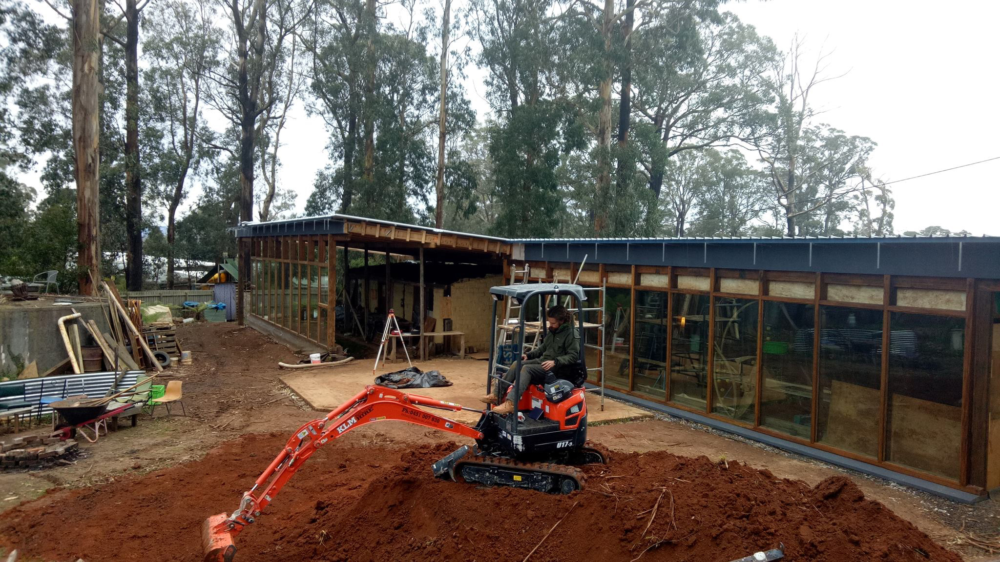 kinglake-australia-earthship-construction2