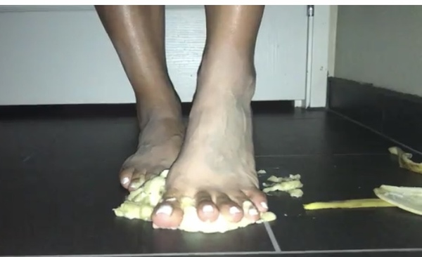 Milf Feet 🍌 Smashing