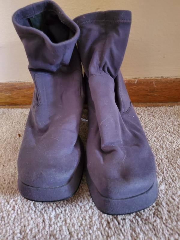 Purple suede boots