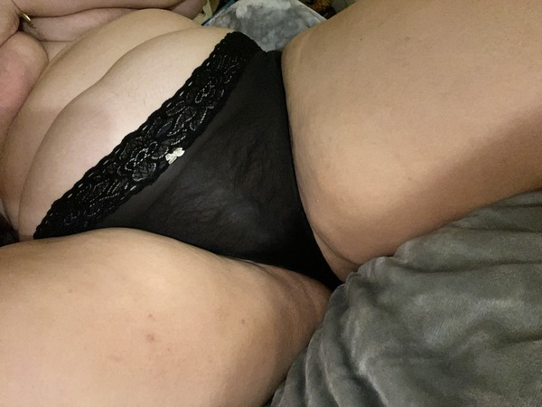 My ass swallowed these panties 😍 - Black lacy briefs