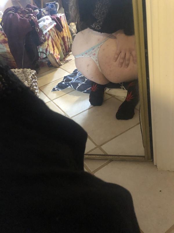 Flowery ass eating thong, 48 hour wear 💕