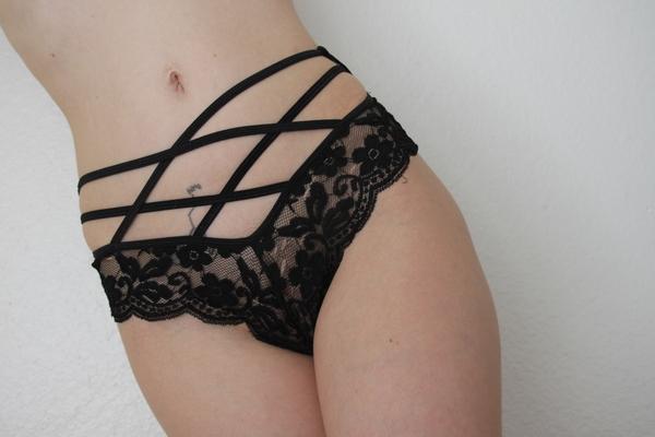 Black Lace Strap Cheekies 😈