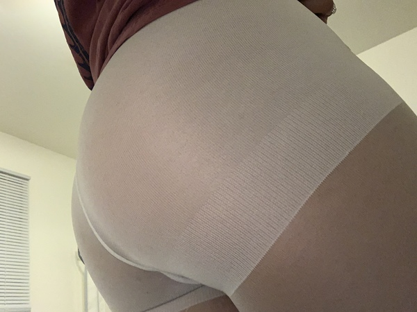 Yummy sweet worn pantyhose!